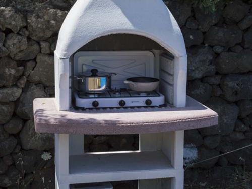 tenda attrezzata fornello esterno